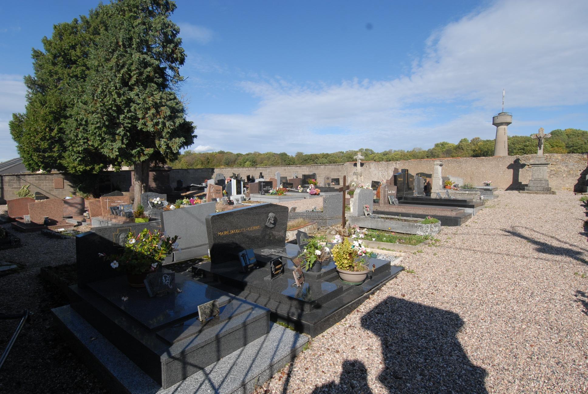 entrée du cimetière de bosserville