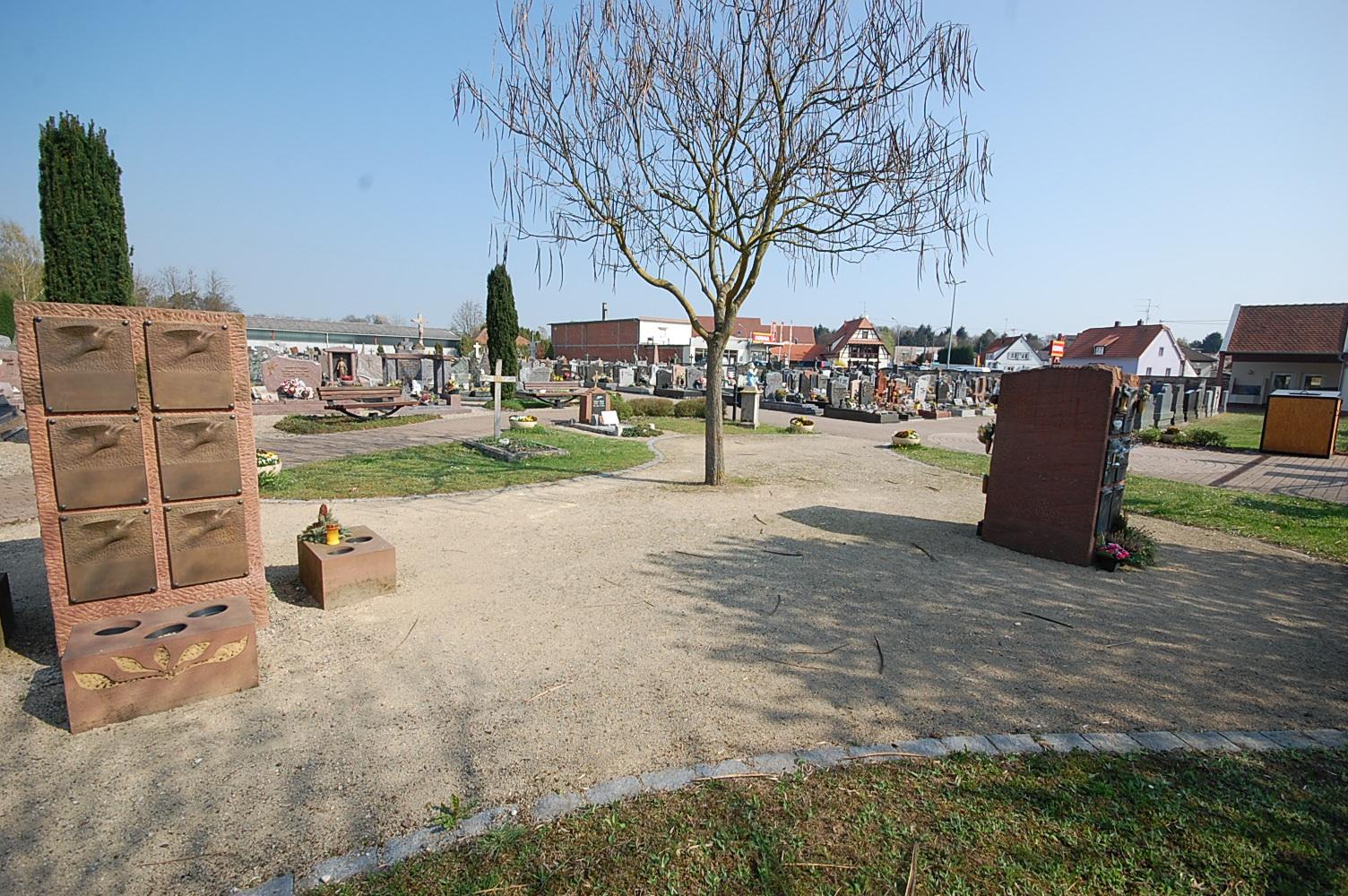 espace cinéraire du cimetière de Seltz 67470