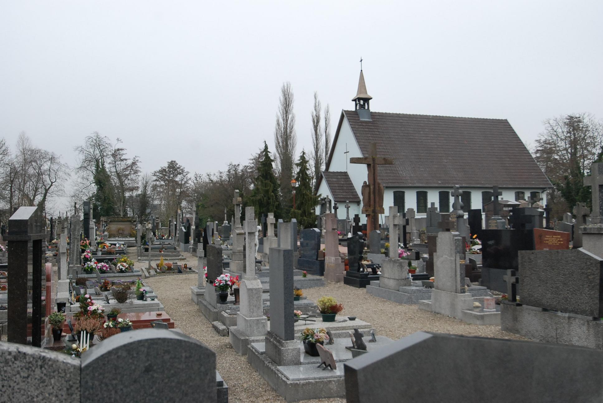 intéireur du cimetière d'Ensisheim