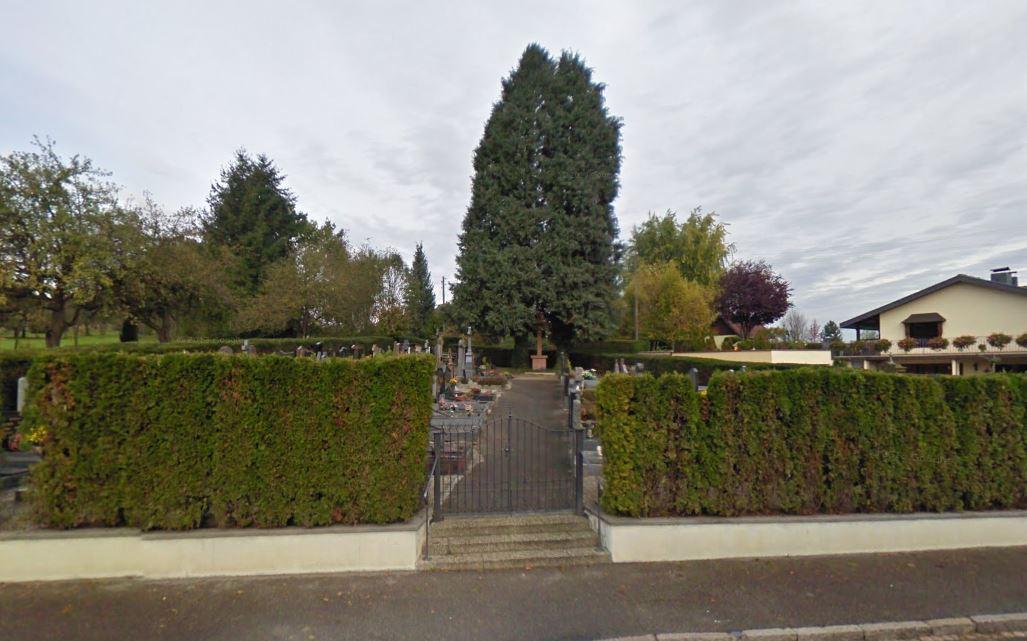 porte d'entrée du cimetière de Hagenthal-le-Haut