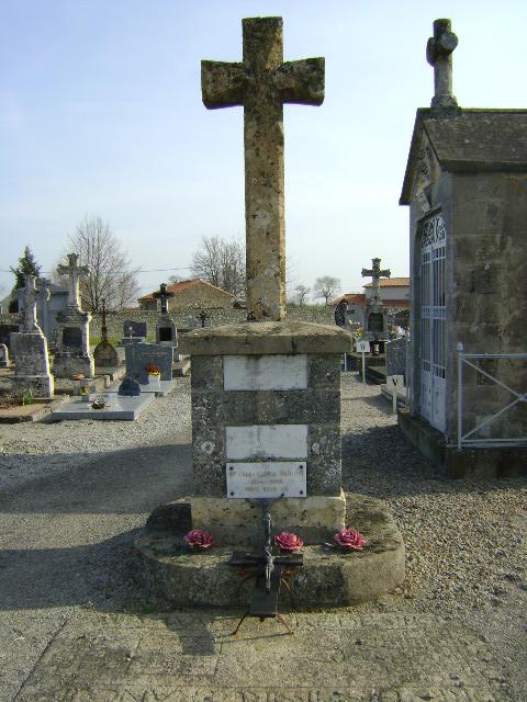 crucifix du cimetière de la Peyratte