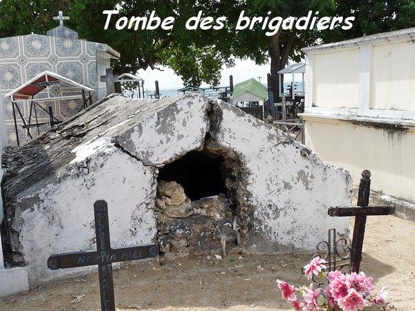 https://www.webcimetiere.net/Communes/971/Les Abymes/img/stockage/cimetiere_de_petit_canal.jpg