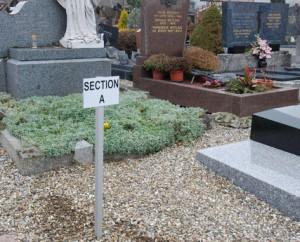 Panneau d'orientation section cimetière + poteau